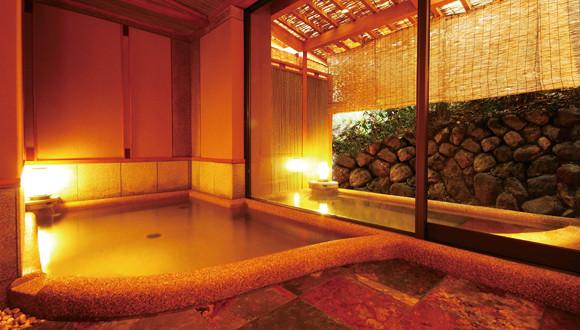 ご参拝の後は京都の旅館【花筏】へ~貸切風呂と美味しい料理でゆったりとした時間を~